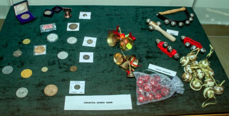 Monede si clopote decorative
